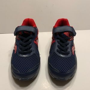 Saucony boys shoes